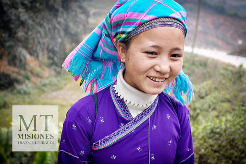 Jovencita Nung de Vietnam - Etnia No Alcanzada sin Biblia